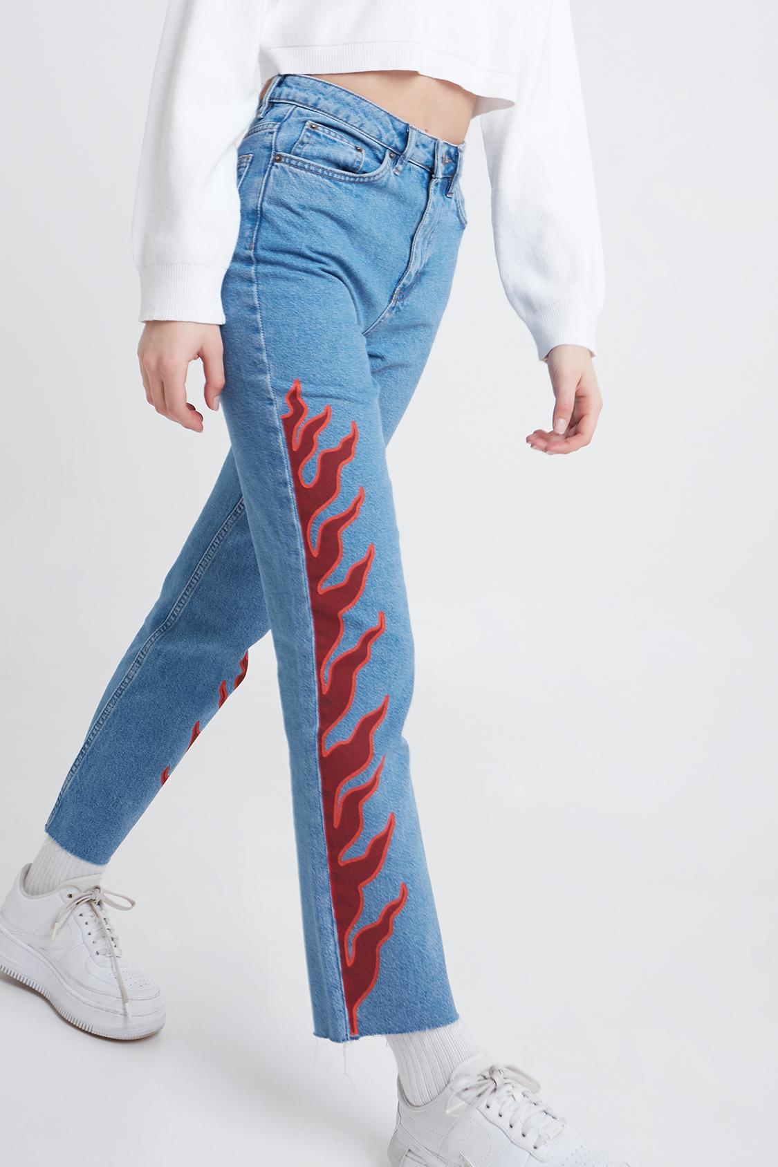 Jeans boyfriend fiamme