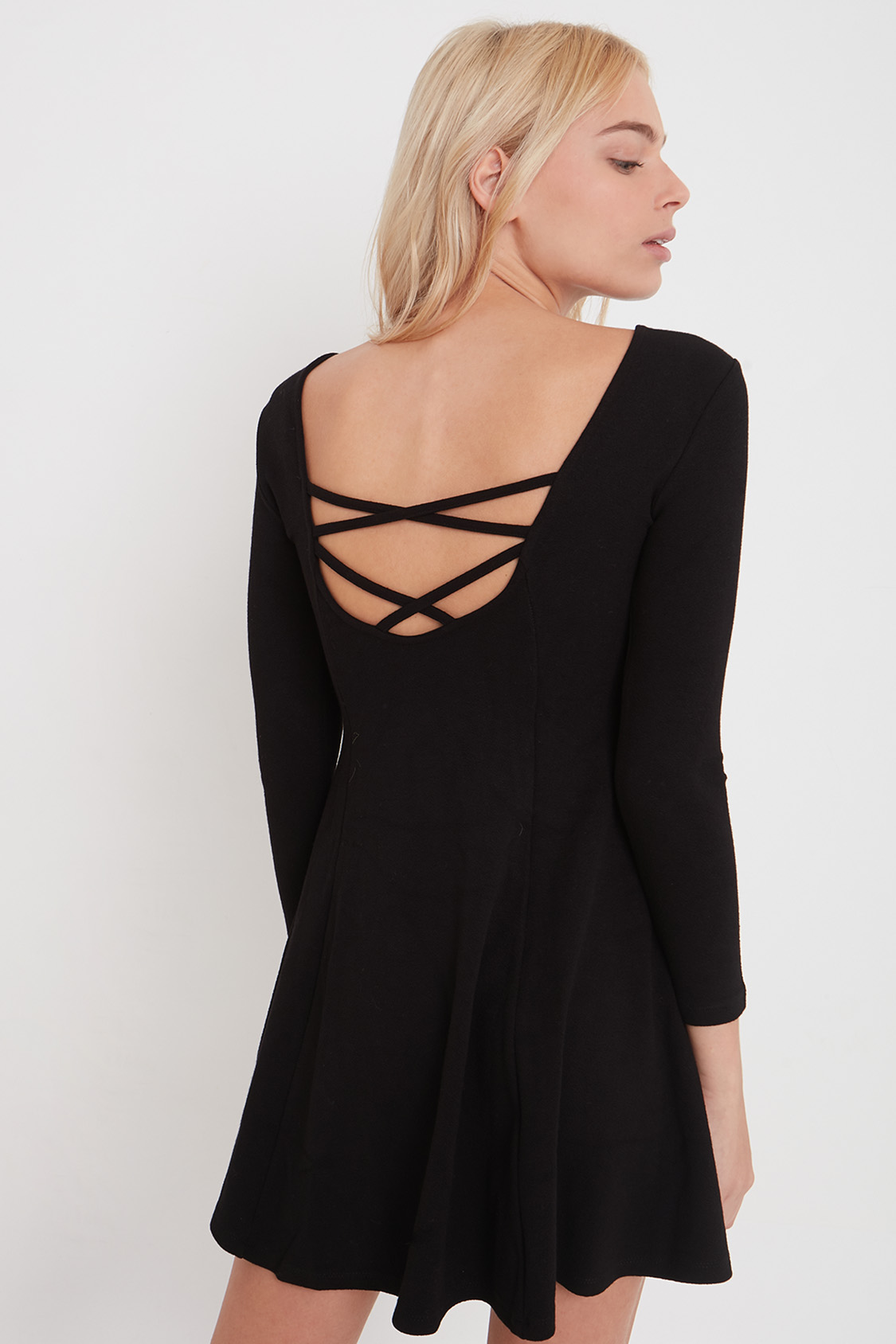 Back criss-cross dress