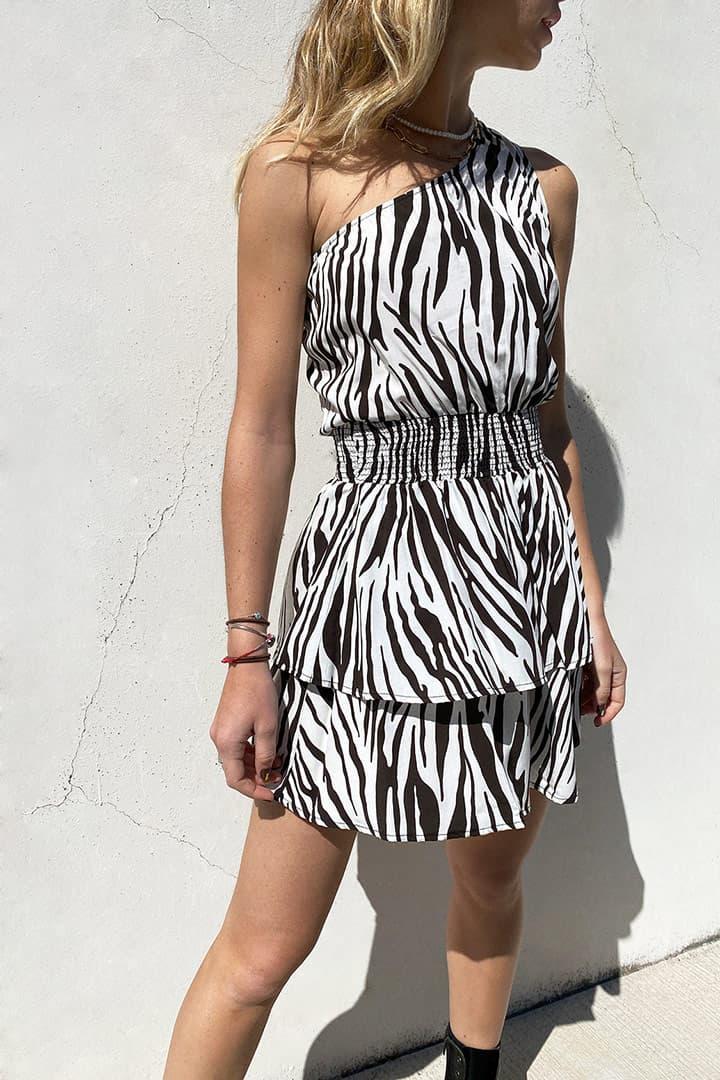 Ruffle one-shoulder dress