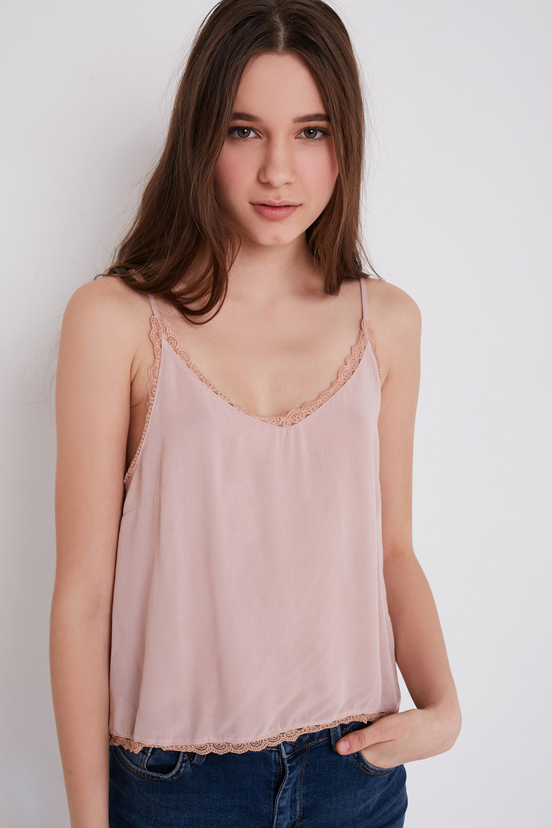 V-neck cami top lace