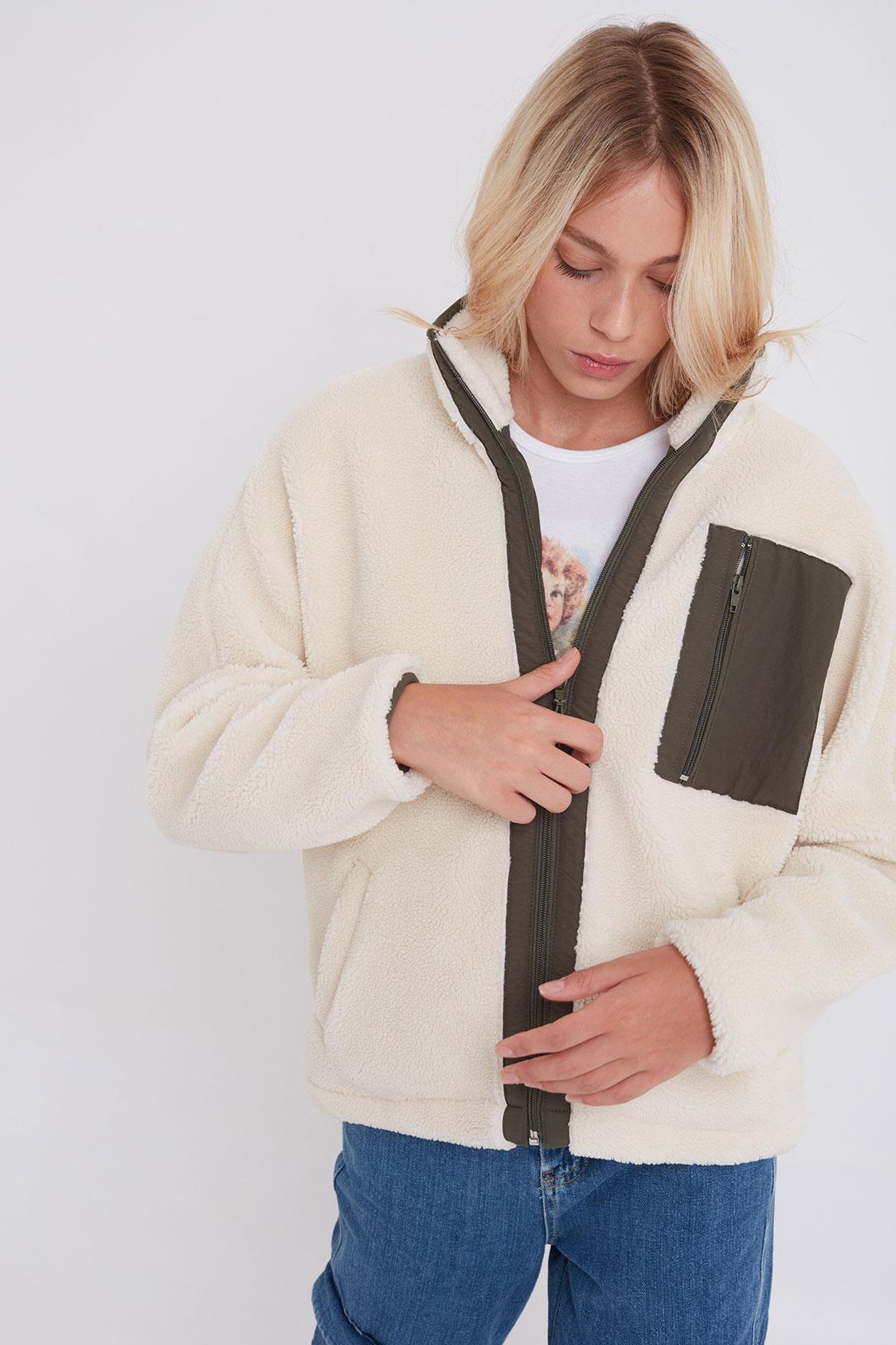 Side pocket jacket
