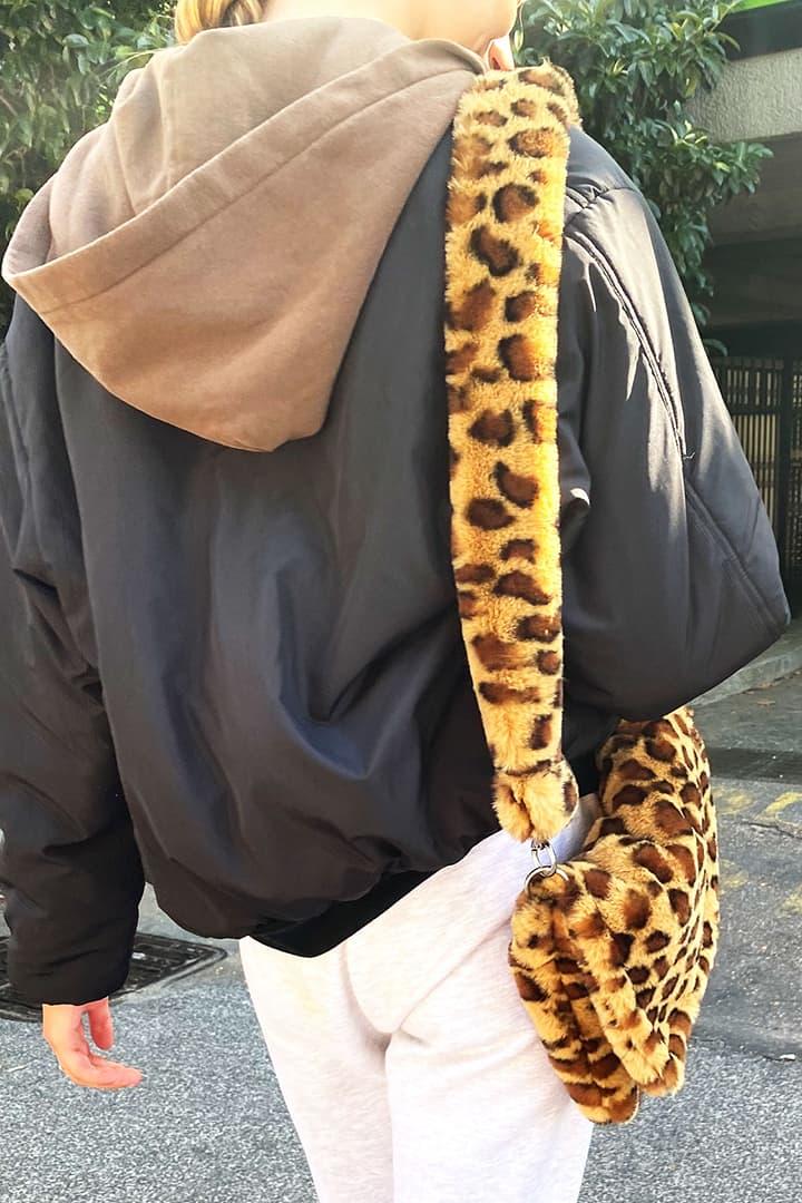Reversibile waterproof bomber jacket