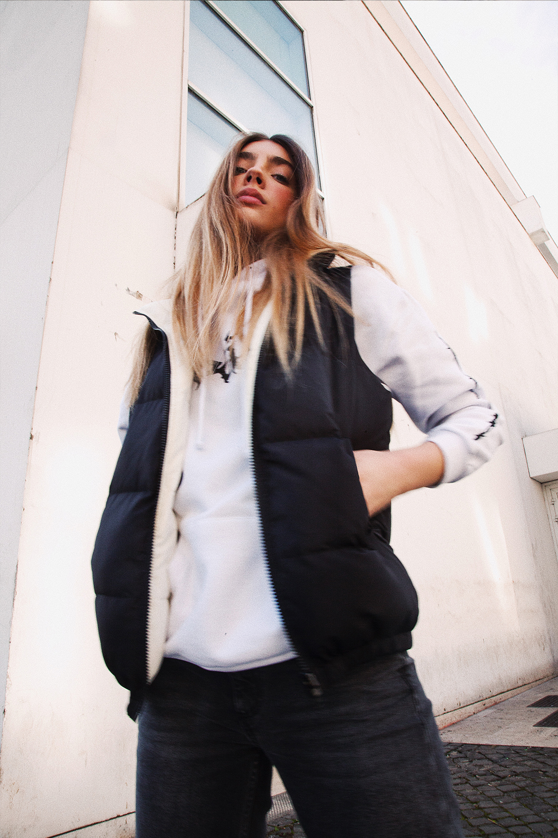 Sleeveless reversible bomber jacket