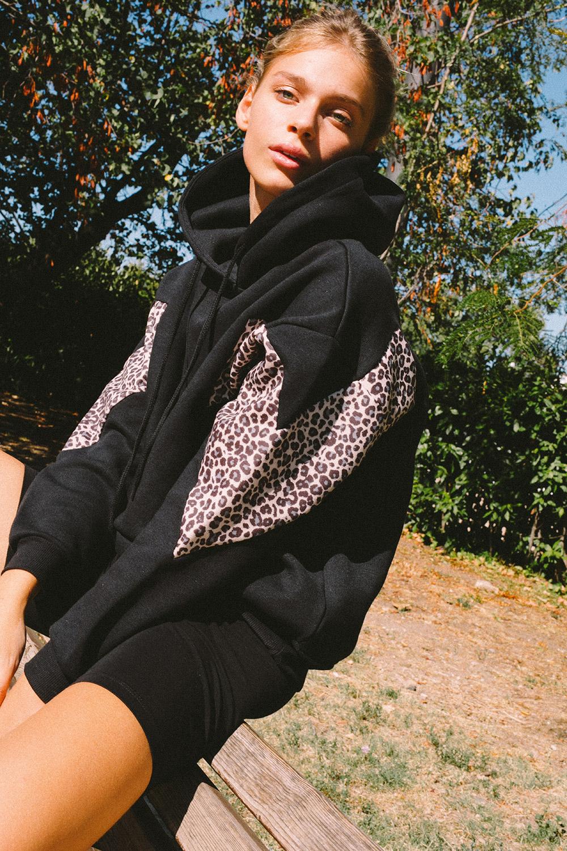 Front pocket hoodie