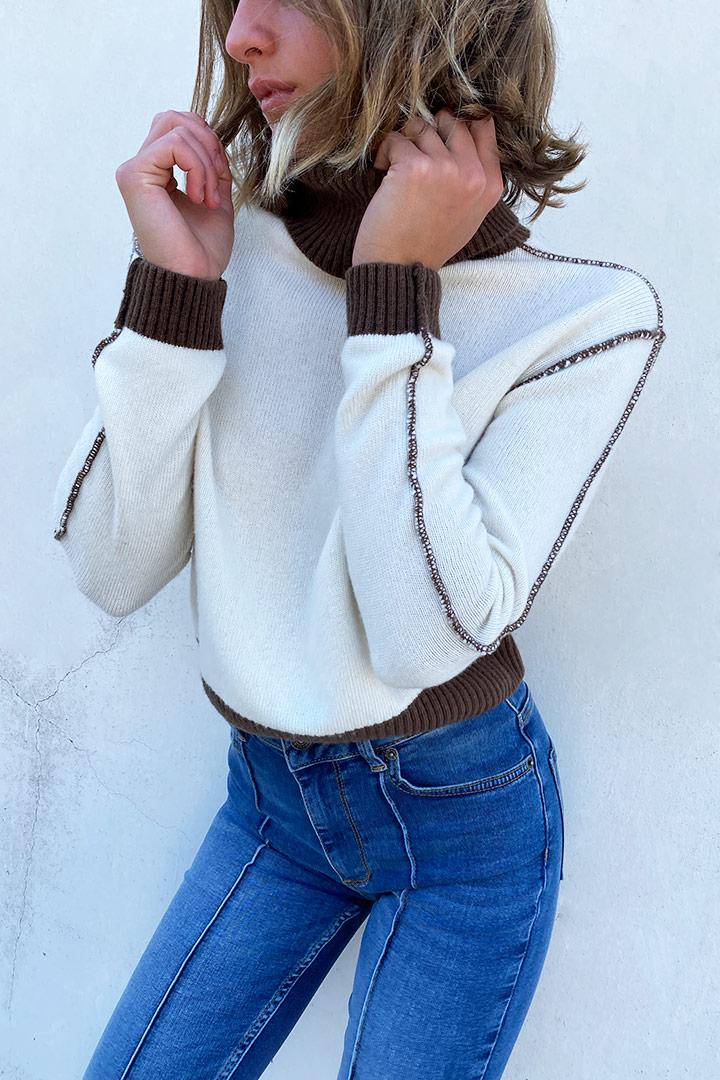 Contrast stitching turtleneck sweater
