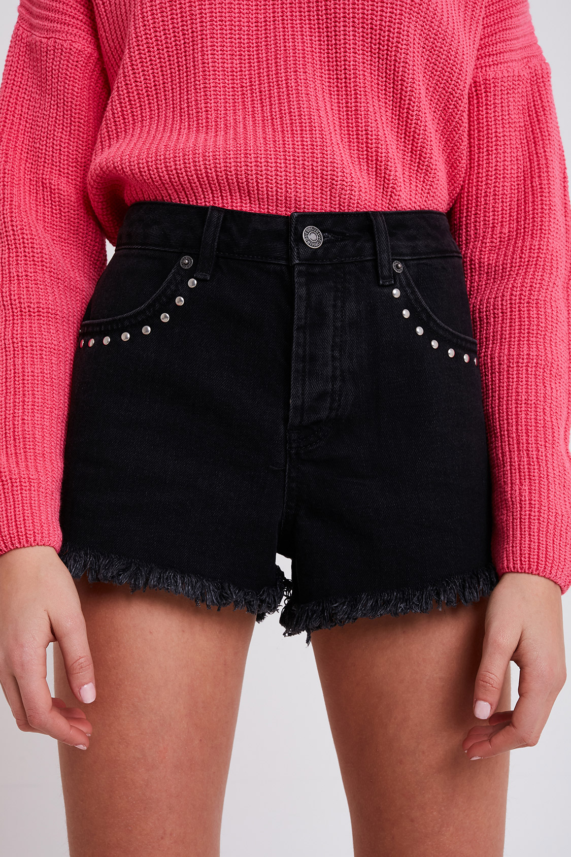 Shorts tachuelas