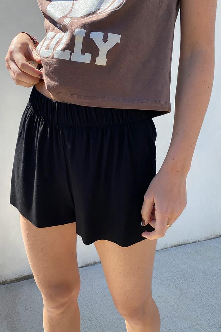 Shorts elastico in vita