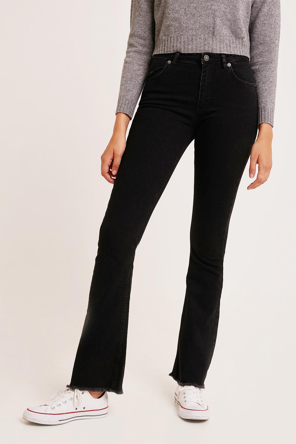 Jeans a zampa taglio vivo