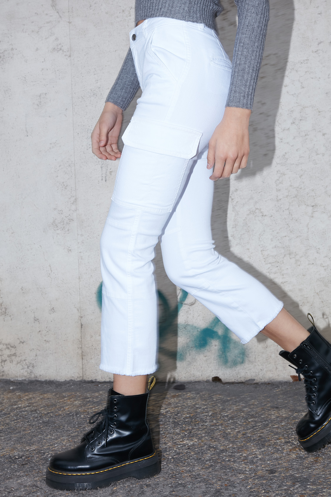Cropped flare cargo pants