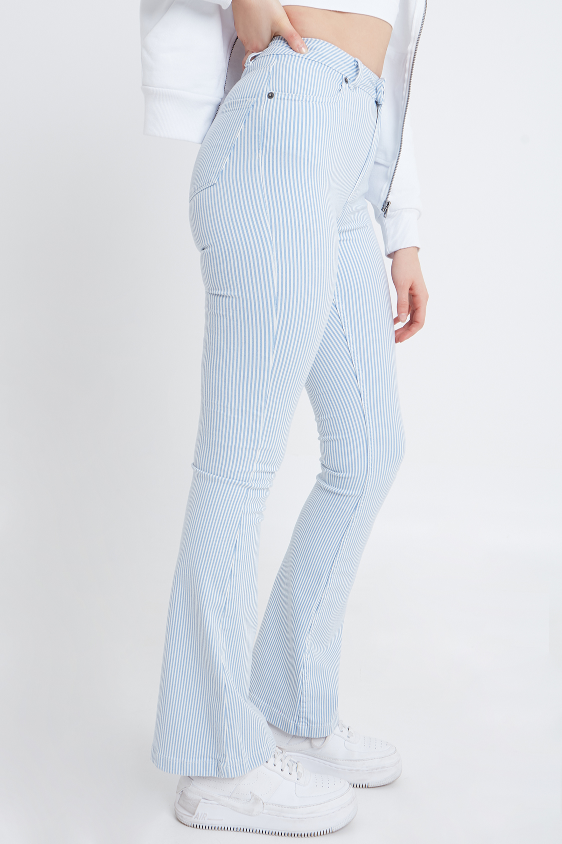 Jeans campana tiro alto