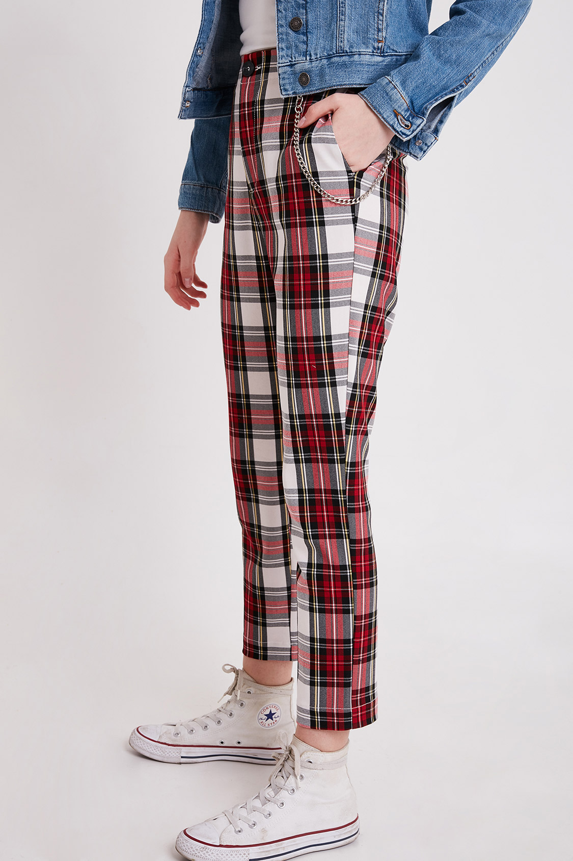 Checkered pants with chain