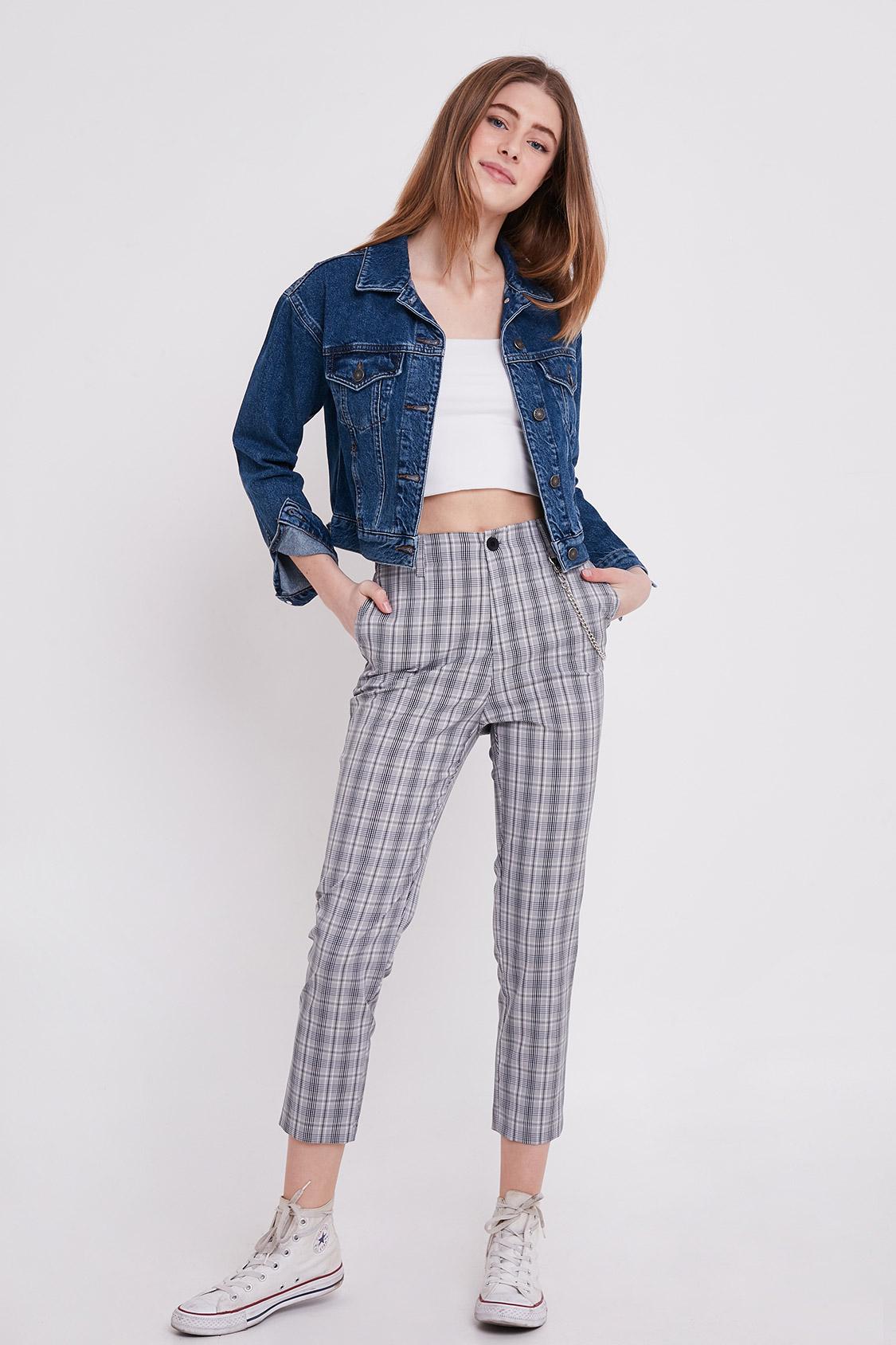 Pantaloni con catena
