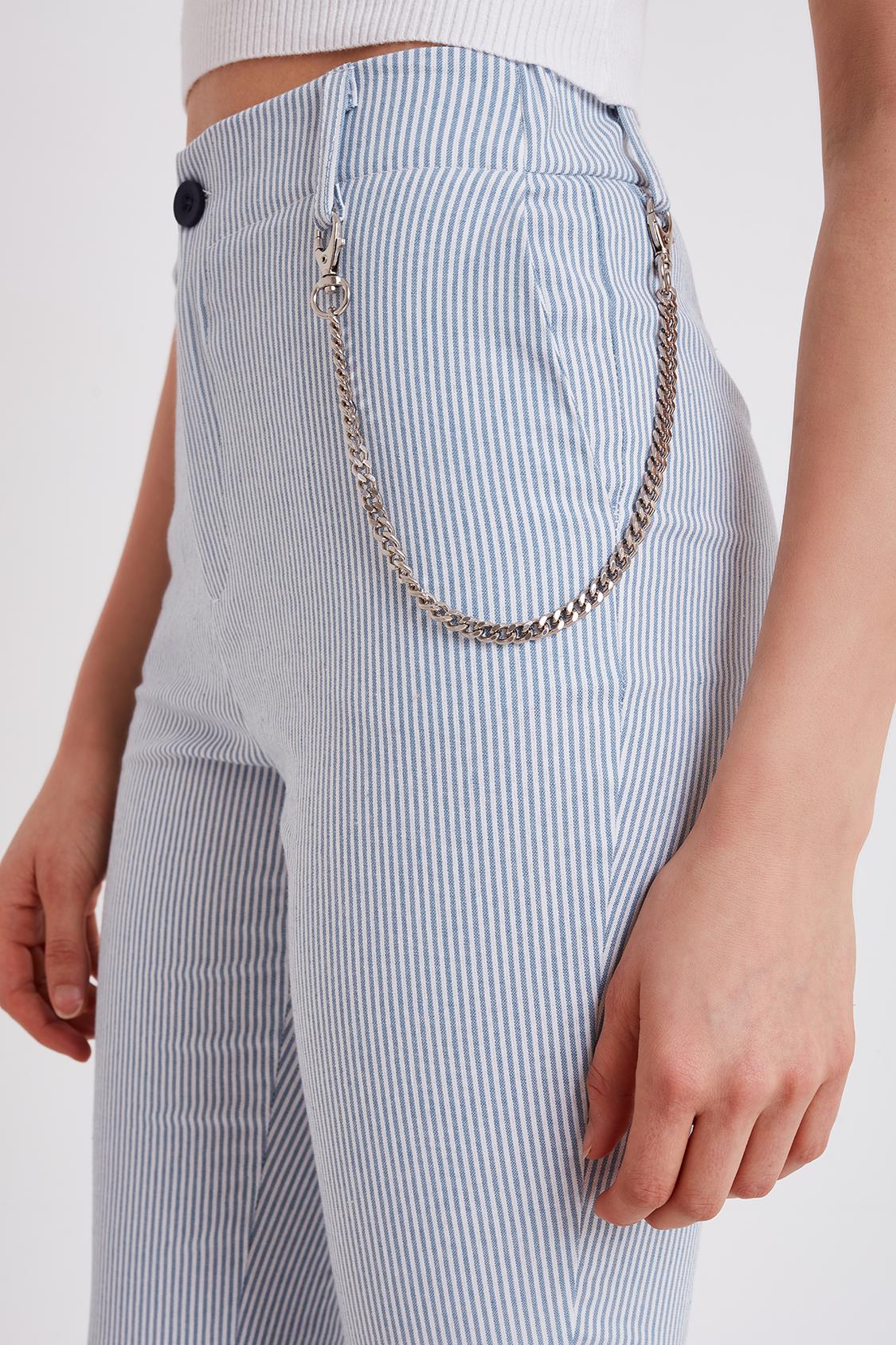Pantaloni a righe con catena