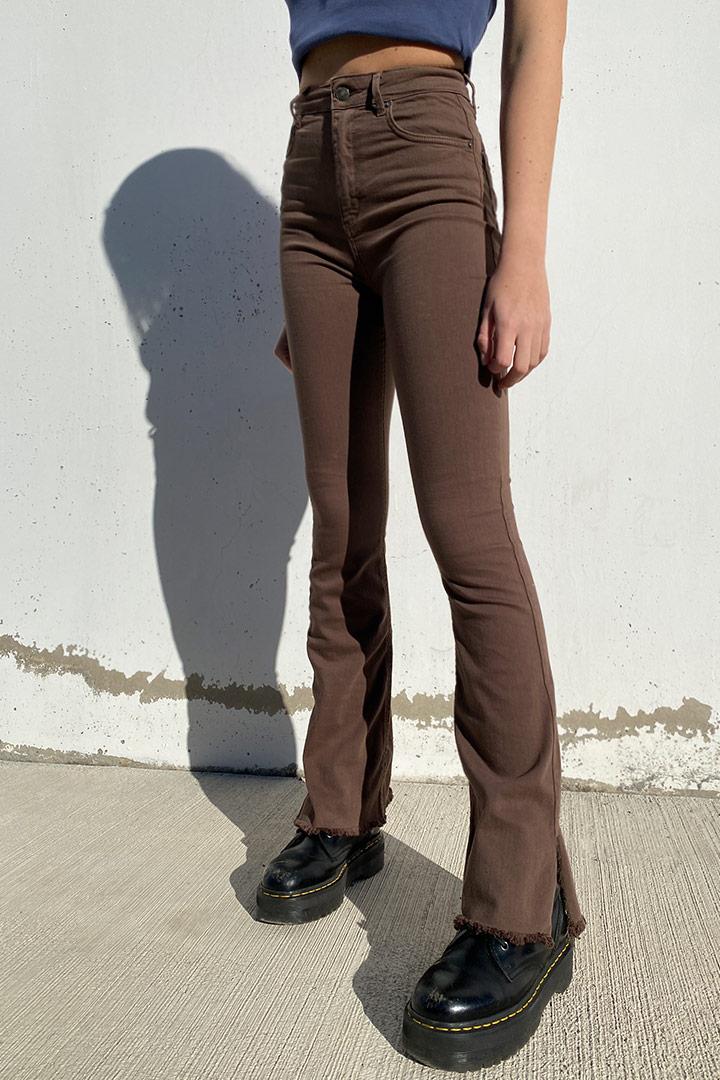 Jeans flare side slit