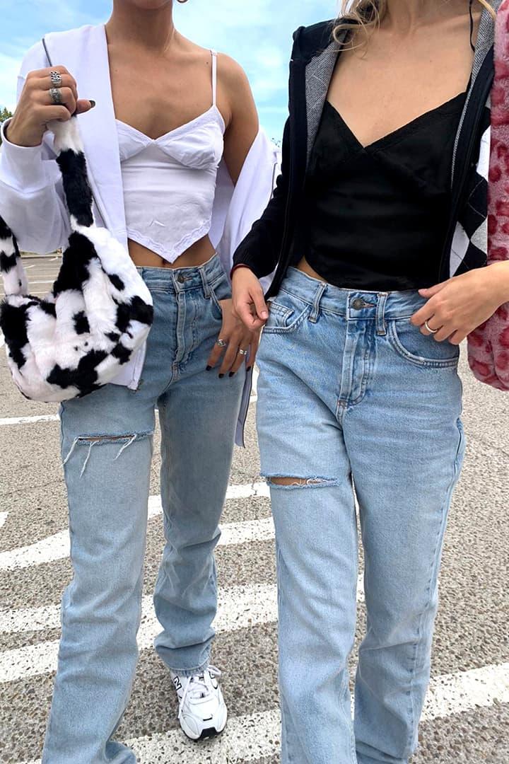 Jeans mom con strappo