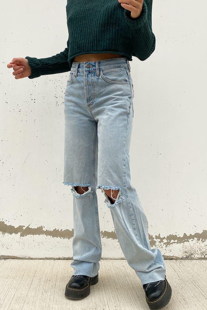 Jeans mom ripped raw cut
