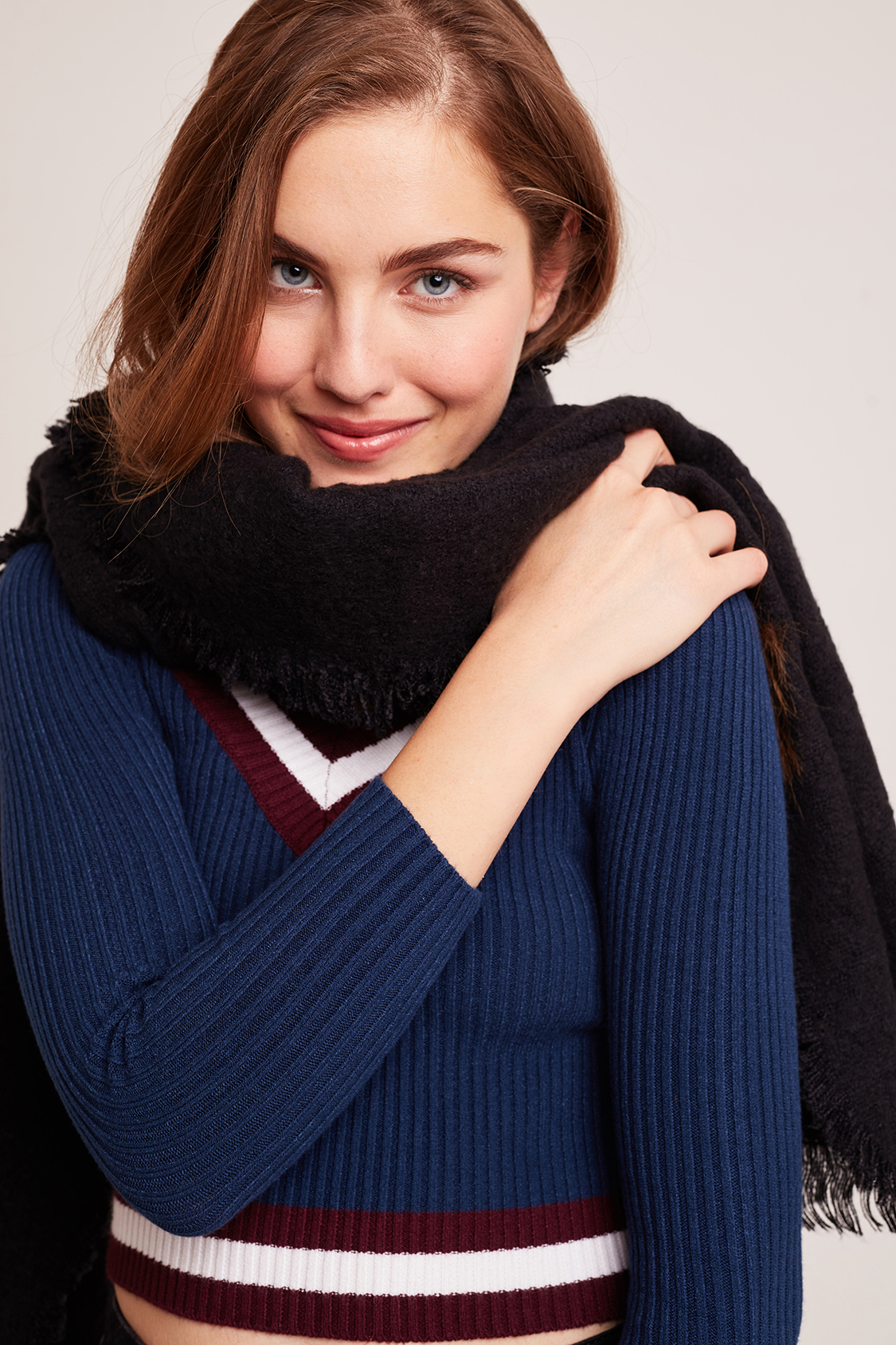 Fringed bouclé scarf