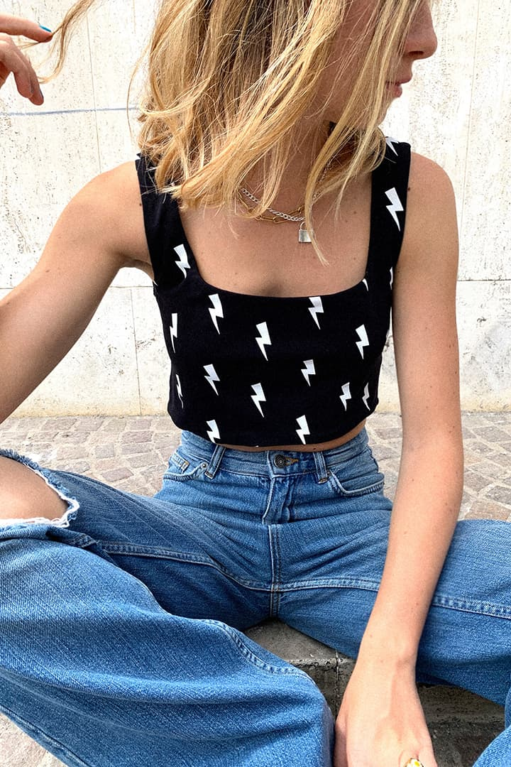 Lightning printed cropped top