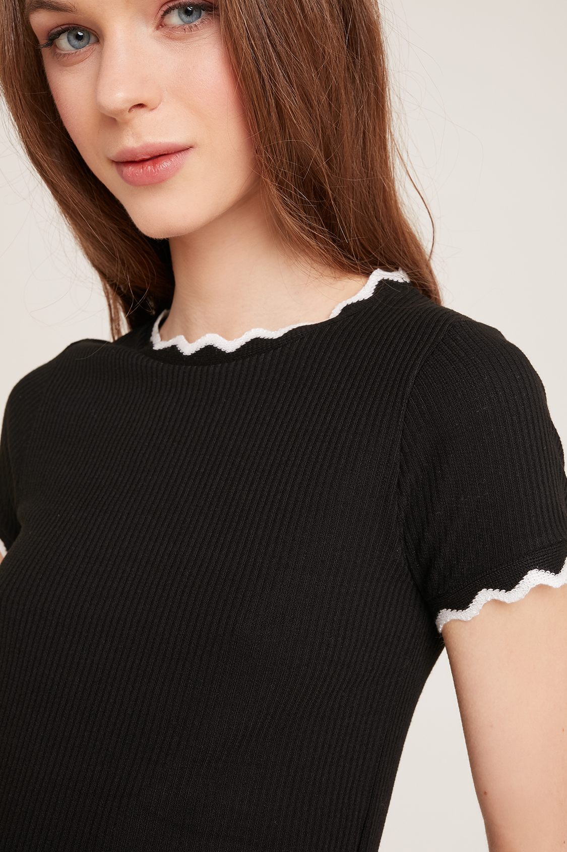 e49cb0339ef93 Frill hem t-shirt. Skip to the beginning of the images gallery