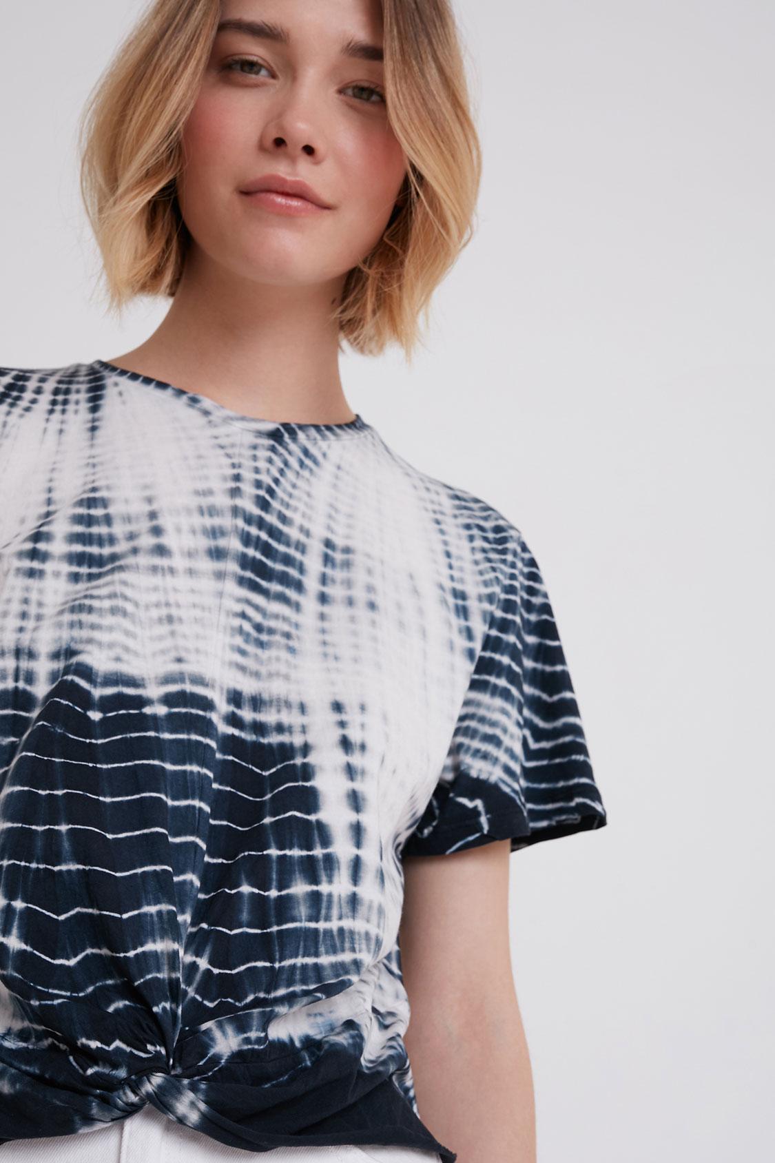 T-shirt tie-dye nodo