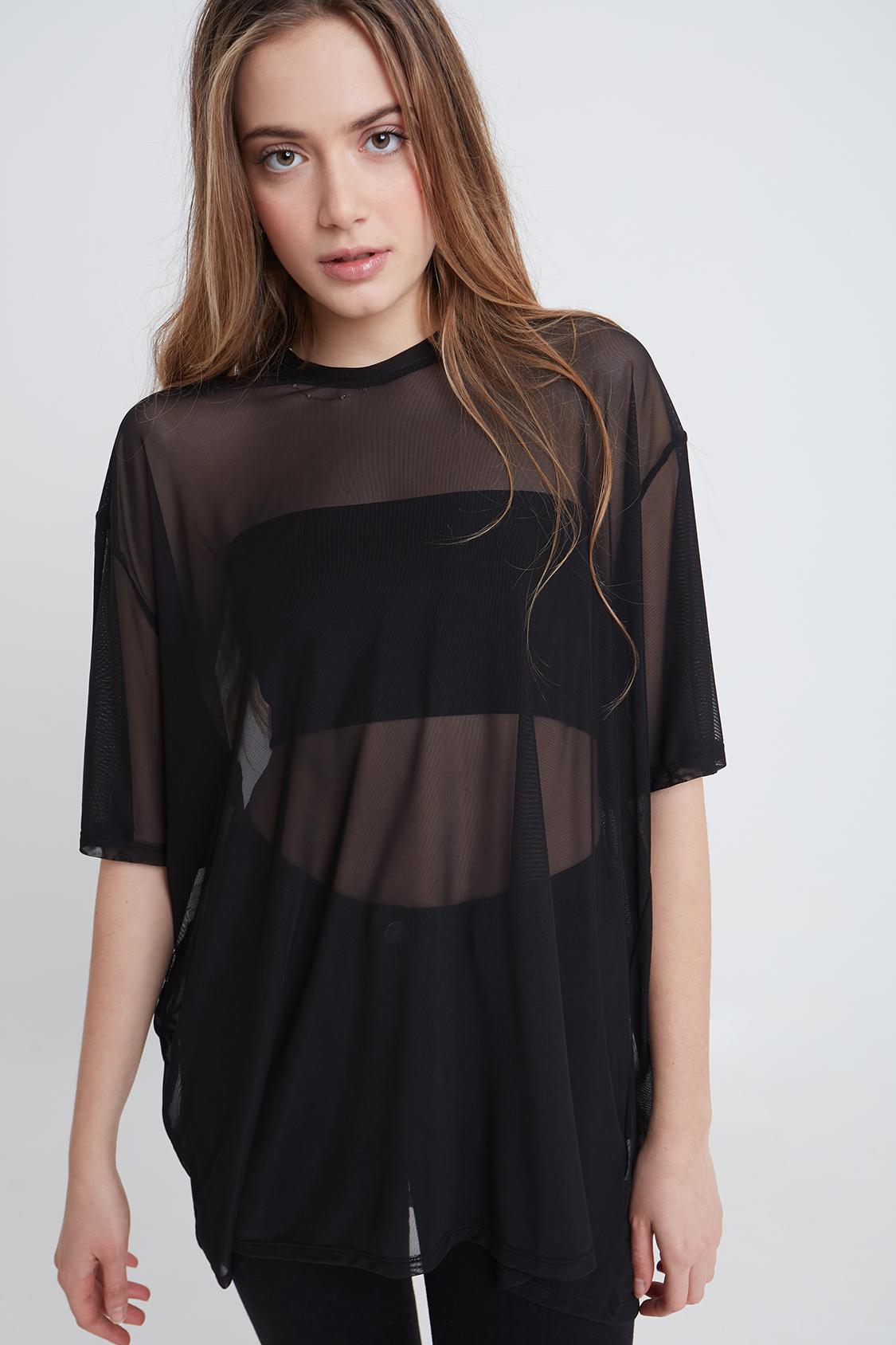 Camiseta oversize tul